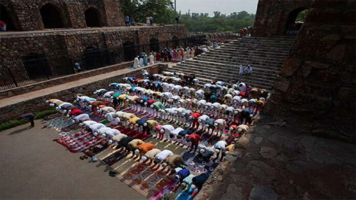 Bombay HC will refuse for mass petitions in mosque
