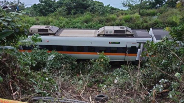 train wrecks in eastern Taiwan